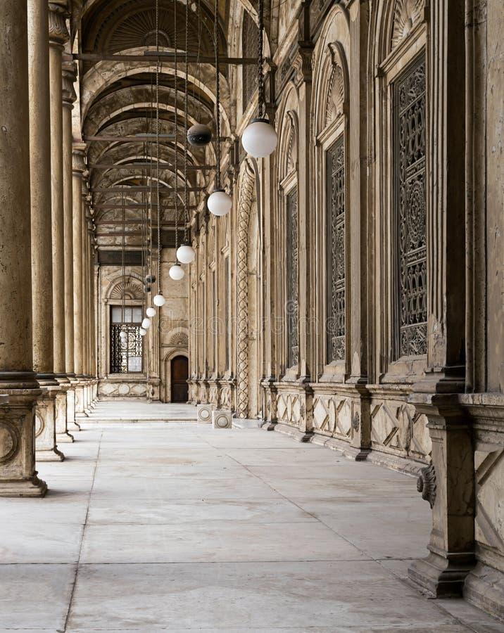 Passages entourant la cour intérieure de Muhammad Ali Pasha image libre de droits