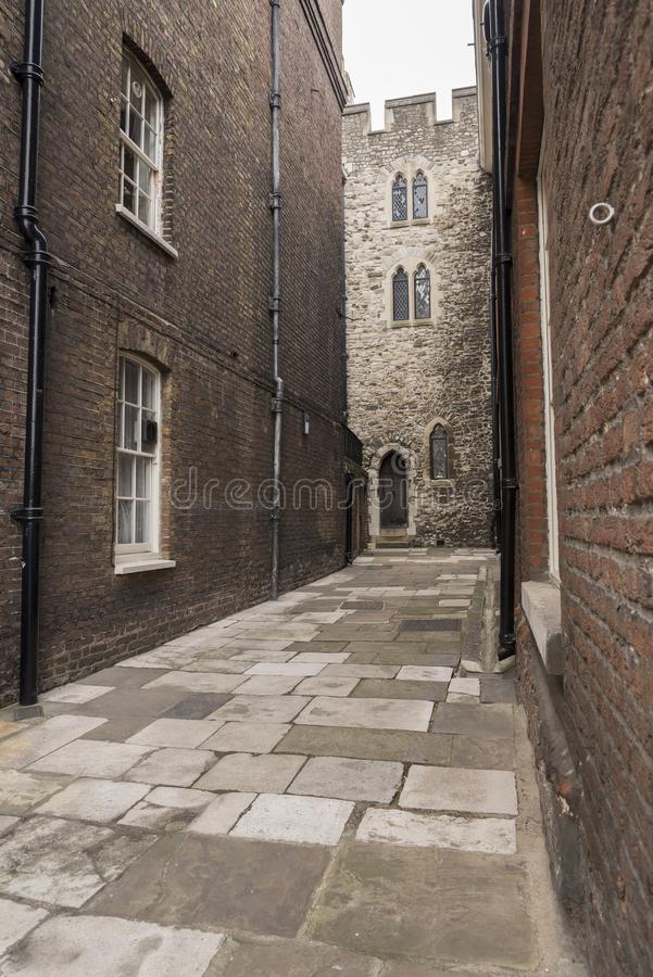 Passageway na Torre de Londres fotos de stock