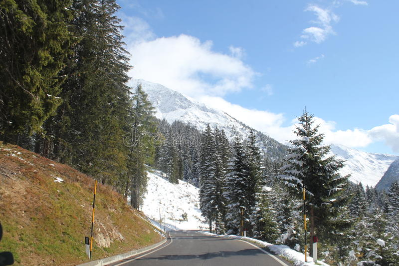 Passaggi alpini italiani immagini stock