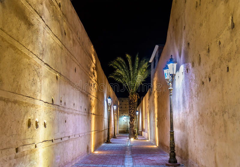 Passaggio al EL Badi Palace a Marrakesh, Marocco fotografia stock libera da diritti