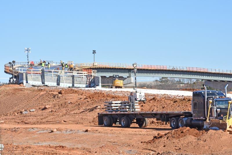 Passaggio dell'autostrada interstatale in costruzione su I-85 immagini stock libere da diritti