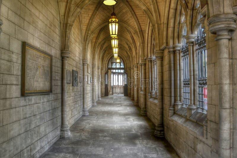 Passaggio gotico della chiesa immagini stock