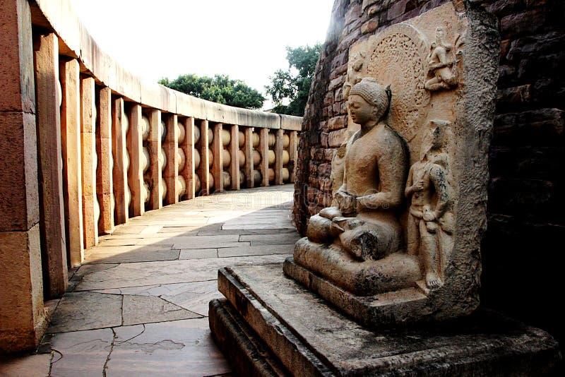 Passaggio interno di Stupa, Sanchi immagini stock