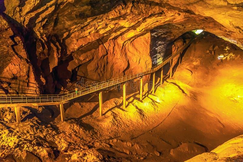 Passaggio nella nuova caverna di Afon La Repubblica di Abkhazia fotografia stock