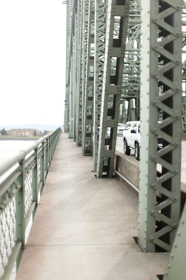 Passaggio pedonale sul drawbridge immagini stock