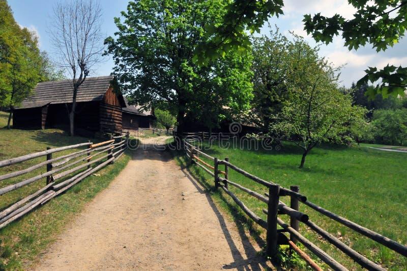 Passaggio pedonale in vecchio villaggio ceco immagine stock libera da diritti