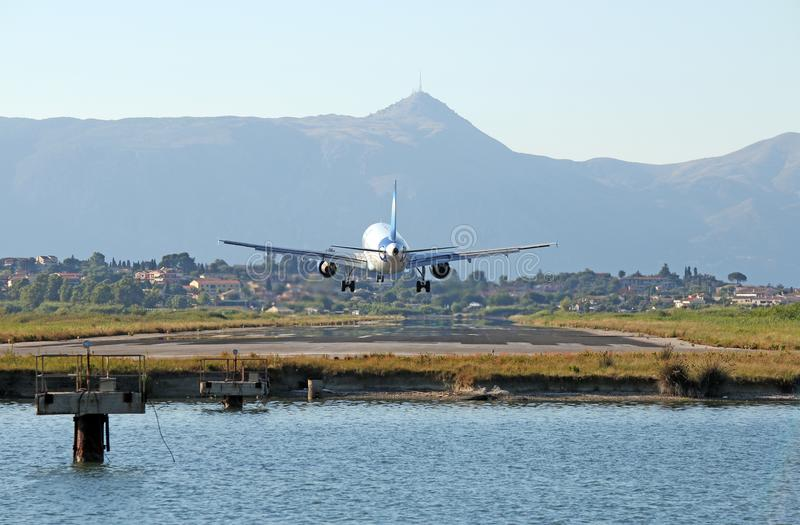 Korfu Flughafen Ankunft
