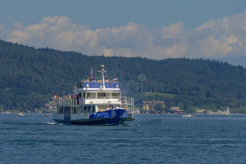 Passagiersschip Schlumberger op meer Worthersee, Carinthia, Austr stock foto