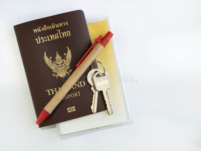 Passaporte com acessórios imagens de stock royalty free