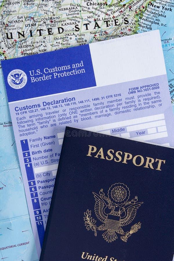 Passaporte com declaração alfandegária imagens de stock royalty free