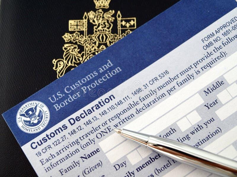 Passaporte de Canadá no cartão de U.S.declaration imagem de stock