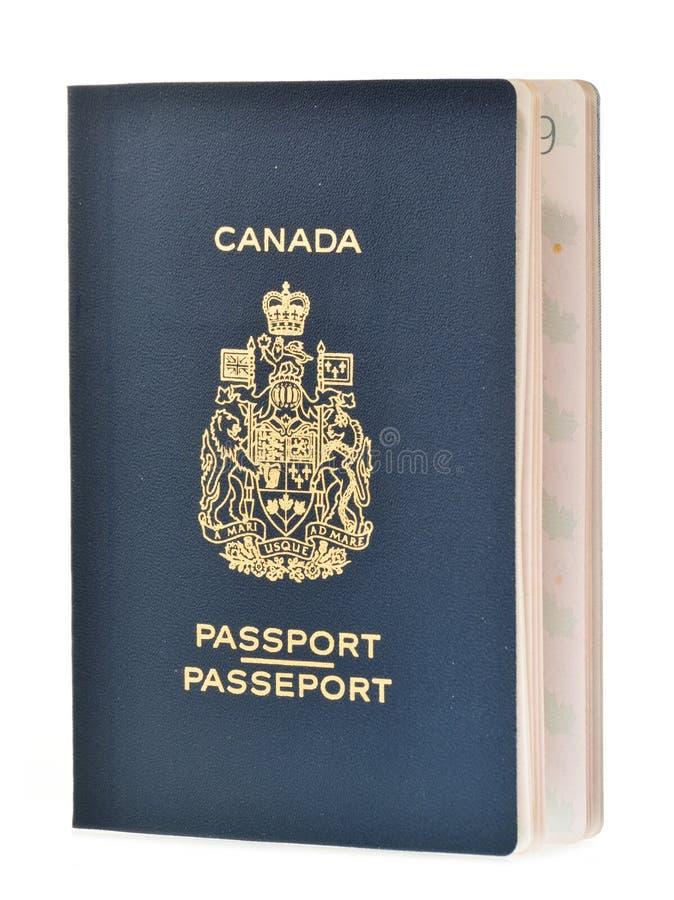 Passaporte de dois canadenses no branco fotos de stock royalty free