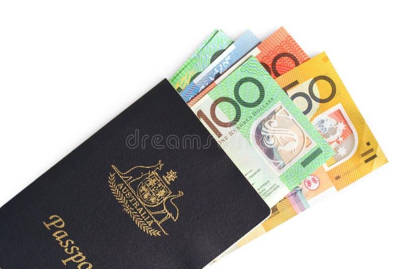 Passaporte e dinheiro australianos foto de stock