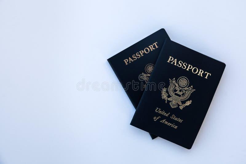 Passaportes em um contexto contínuo imagens de stock