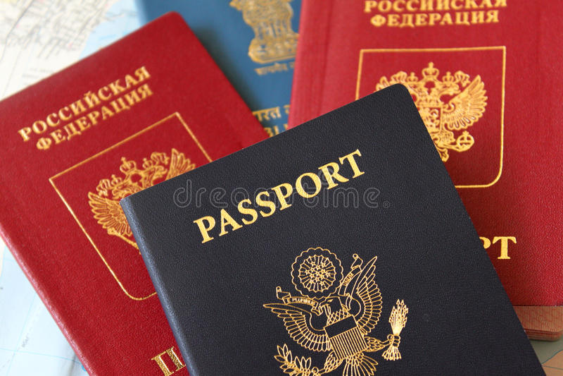 Passaportes múltiplos imagens de stock royalty free