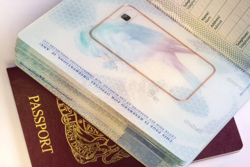 Passaporto biometrico europeo - viaggio internazionale immagini stock libere da diritti
