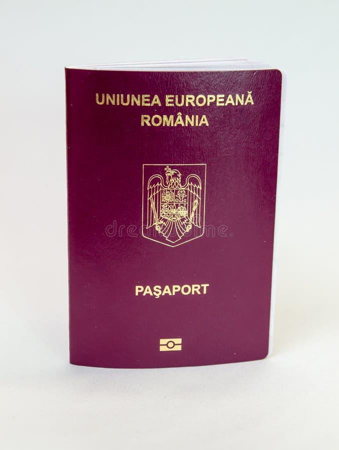 Passaporto rumeno - biometrico fotografie stock