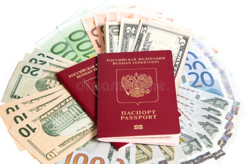 Download Passaporto russo e valuta immagine stock. Immagine di bianco - 56878199