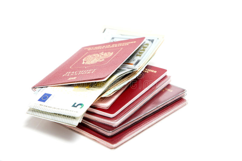 Download Passaporto russo e valuta immagine stock. Immagine di banconote - 56879233