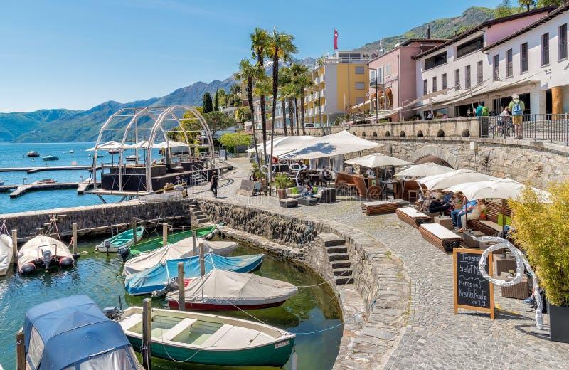 Passeggiata famosa del lago nella vecchia città di Ascona, Svizzera fotografia stock