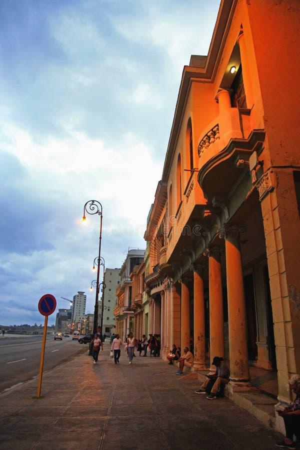 Passeggiata famosa Malecon dell'argine al tramonto fotografia stock