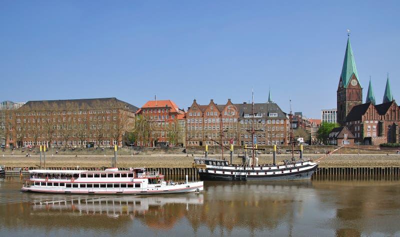 Passeggiata, fiume Weser, Brema, Germania immagine stock