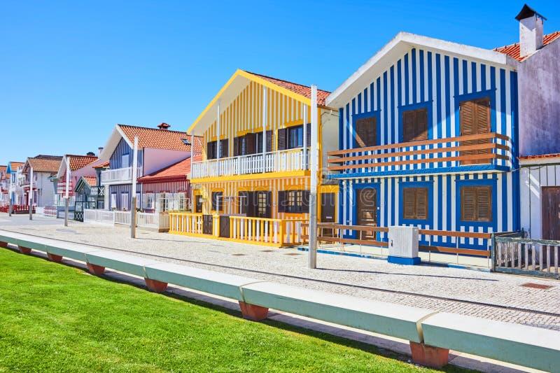 Passeggiata principale di Costa Nova, Aveiro, Portogallo immagine stock