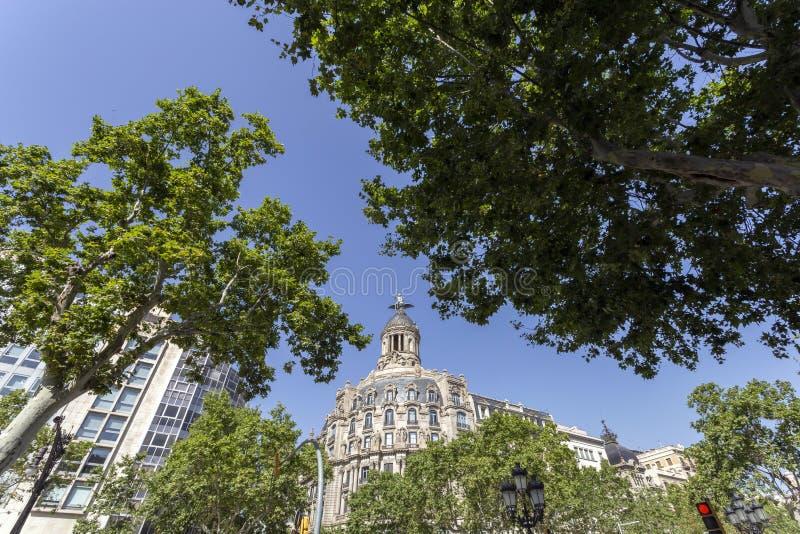 Passeig de Gràcia aveny i Barcelona royaltyfri fotografi