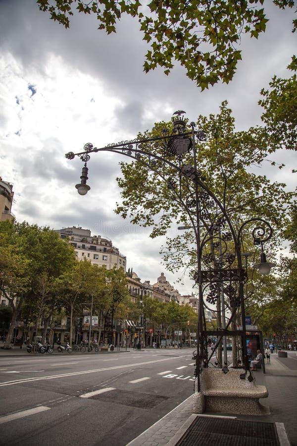Passeig de Gracia街道在扩展区区,巴塞罗那,西班牙,欧洲鸟瞰图  免版税库存图片