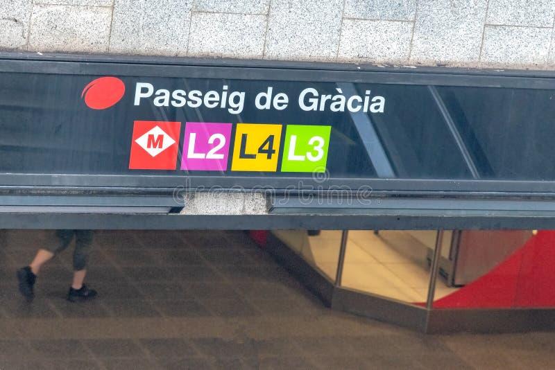 Passeig de Gracia gångtunnelingång, Barcelona, Spanien arkivfoto