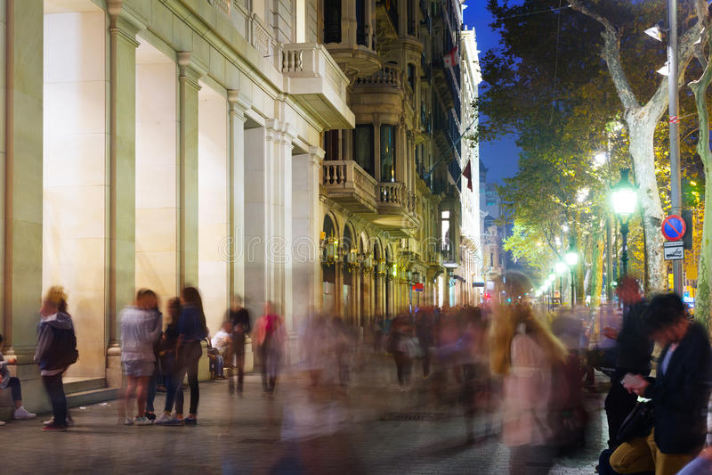Passeig de Gracia i natt Barcelona fotografering för bildbyråer