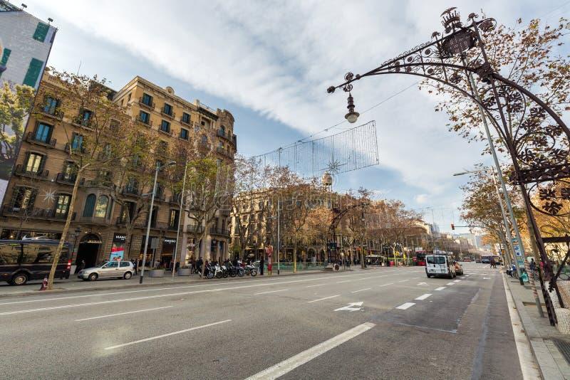 Passeig De Gracia shoppinggata royaltyfri bild