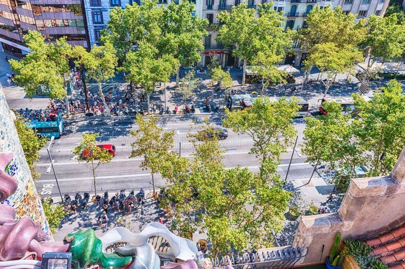 Passeig de Gracia, sikt från casaen Batllo, Barcelona, Catalonia, arkivbilder