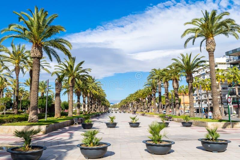 Passeig Jaume I i Salou royaltyfri fotografi