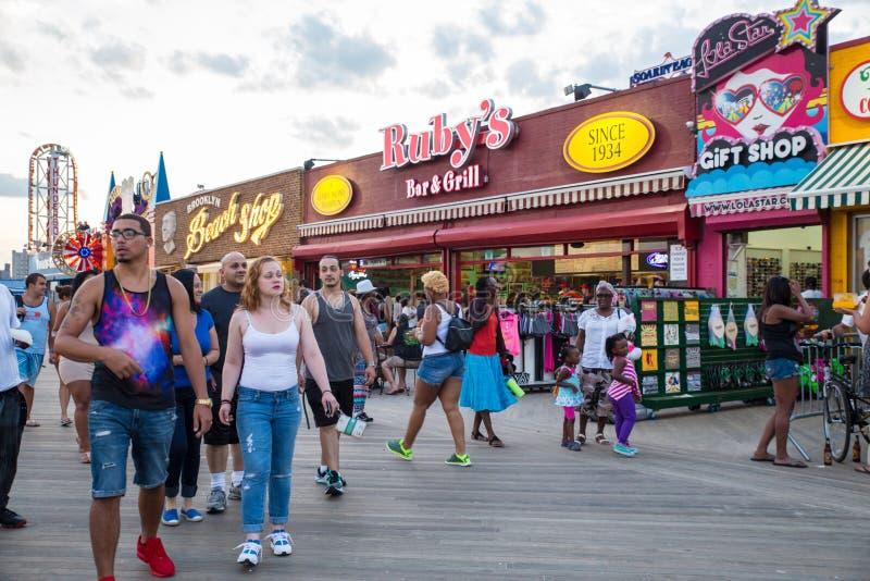 Passeio à beira mar de Coney Island imagens de stock royalty free