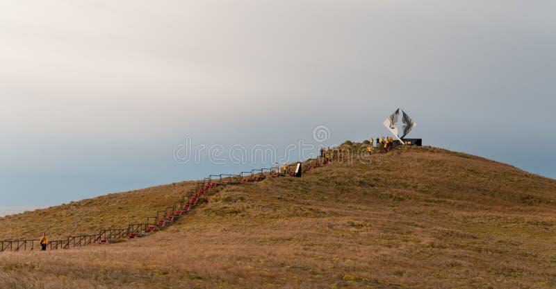 Passeio à beira mar e memorial no chifre do cabo, Tierra Del Fuego, o Chile imagens de stock