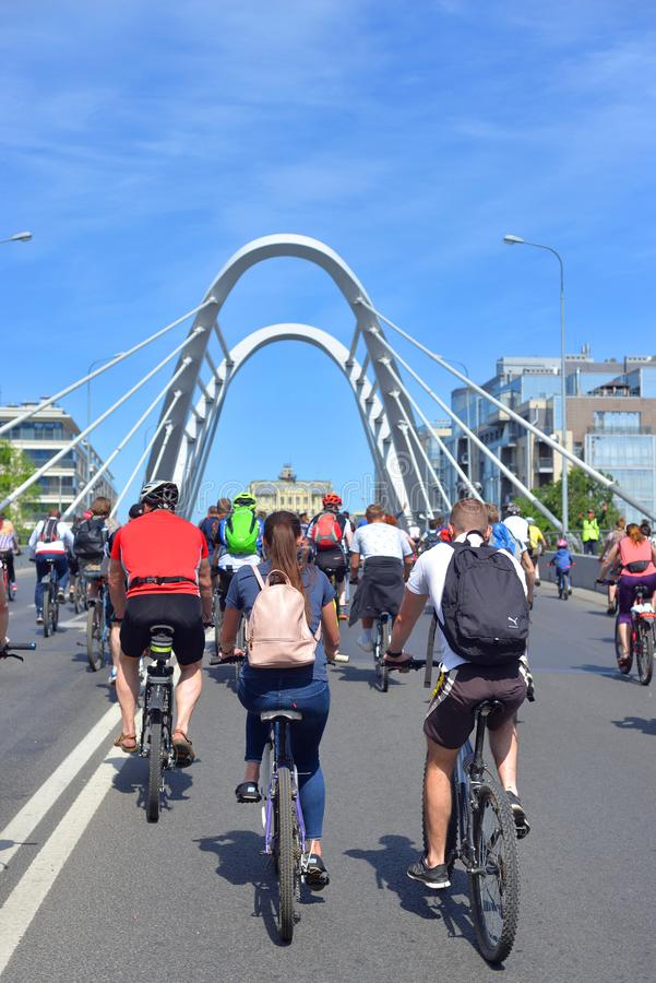 Passeio da bicicleta em StPetersburg imagem de stock royalty free