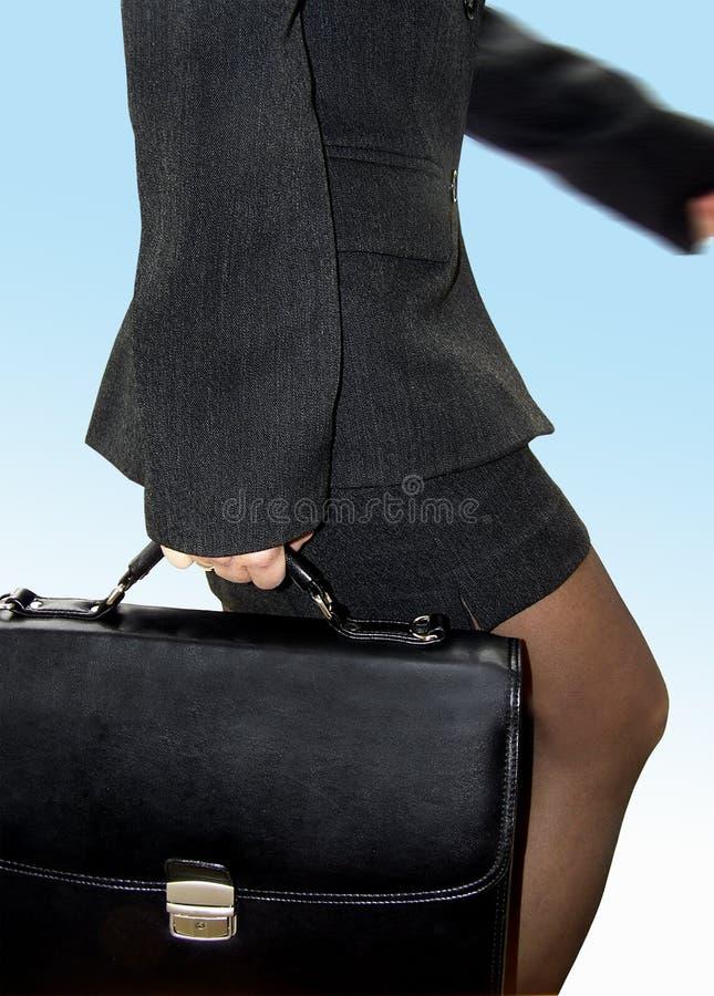 Passeio da mulher de negócios foto de stock