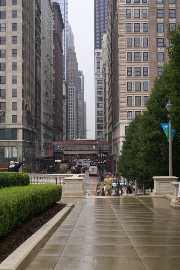Passeio da rua das construções de Chicago foto de stock royalty free