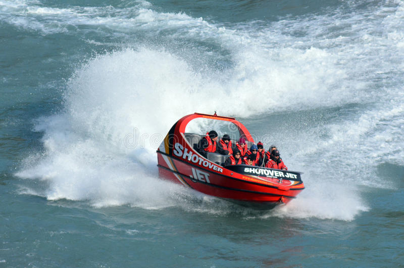 Passeio de alta velocidade do barco do jato - Queenstown NZ imagem de stock
