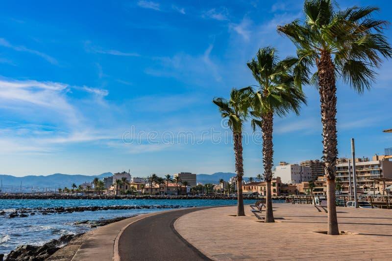 Passeio do beira-mar em Portixol de Palma de Majorca, Espanha fotos de stock royalty free