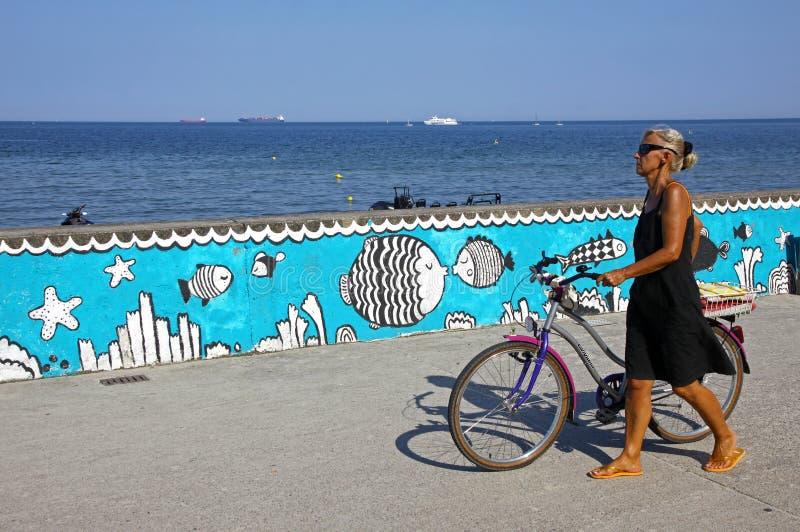 Passeio do mar na cidade de Gdynia, mar Báltico, Polônia fotos de stock