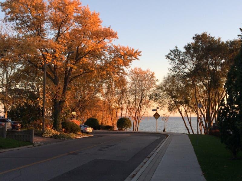 Passeio em Len Ford Park em Toronto, Ontário do lago, Canadá Fall2017 fotos de stock royalty free