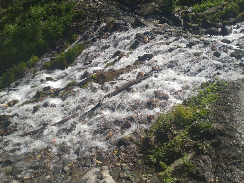 Passeio na montanha da água - uma maneira surpreendente imagens de stock