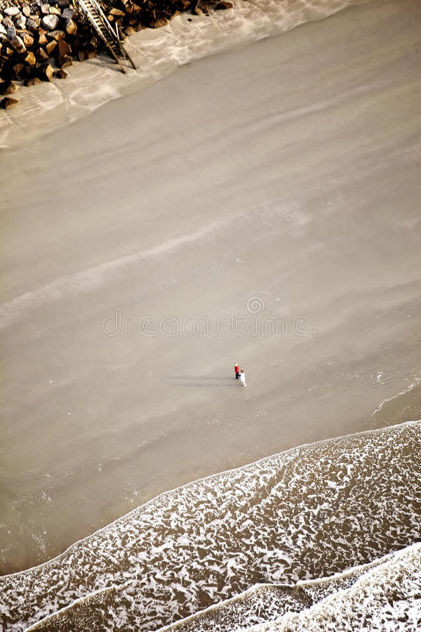 Passeio na praia fotografia de stock royalty free