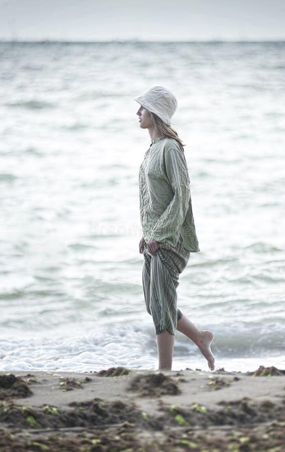 Passeio na praia imagens de stock royalty free