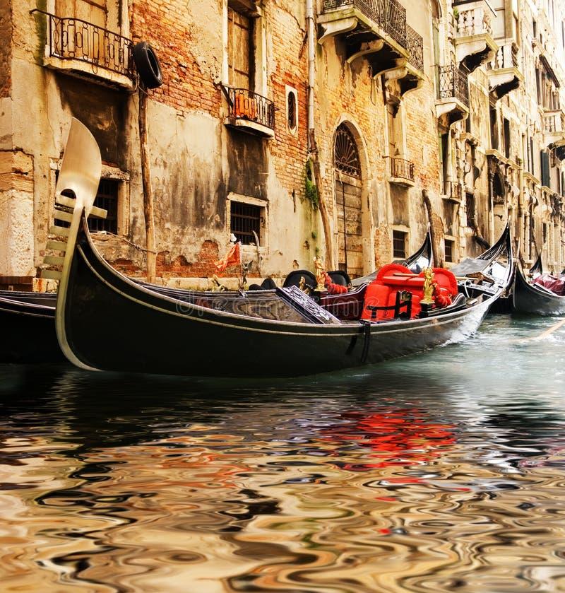 Passeio tradicional do gandola de Veneza foto de stock