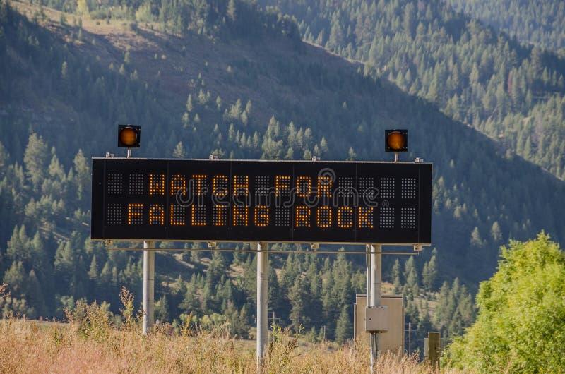 Passen Sie für Steinschlag-Zeichen auf stockfotografie