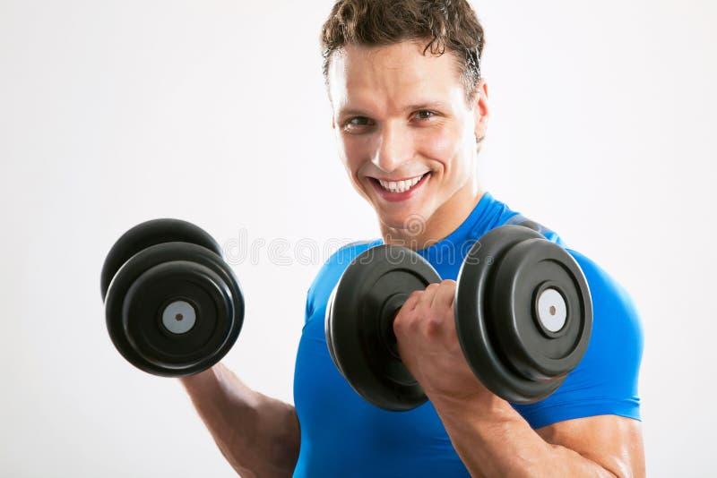 Passender muskulöser Mann stockfotos