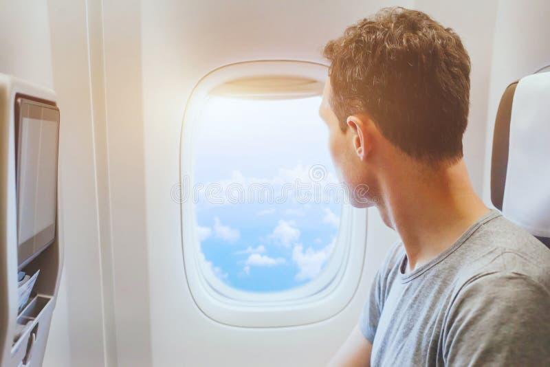 صندلی کنار هواپیما